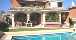 685.- Villa en Playamar
